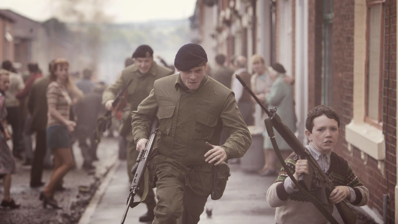 "Jack O'Connell runs for his life in ""'71"""