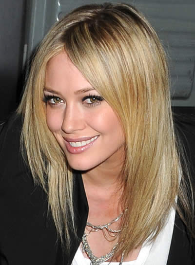 People With Straight Hair Can Prefer Side Parting To Make Hair Look Fluffy. Normal  Long Layers On The Sides And A Bang At The Center Is Normally Liked By ...