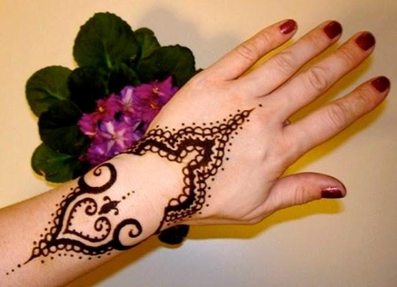 http://www.funmag.org/fashion-mag/fashion-style/latest-mehndi-designs-for-eid-ul-adha-2014/