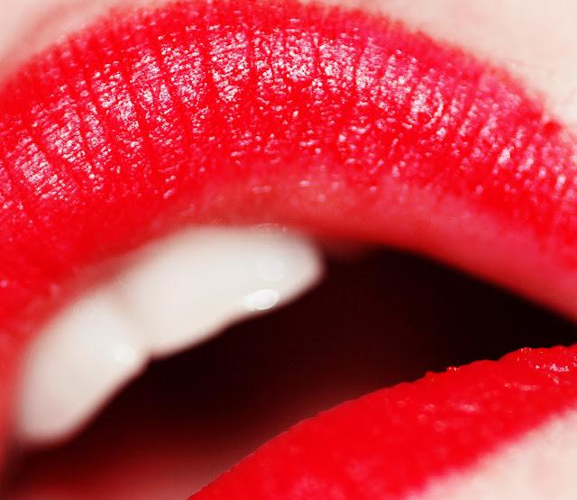 Cara Memerahkan Bibir Secara Alami, Cepat dan Permanen