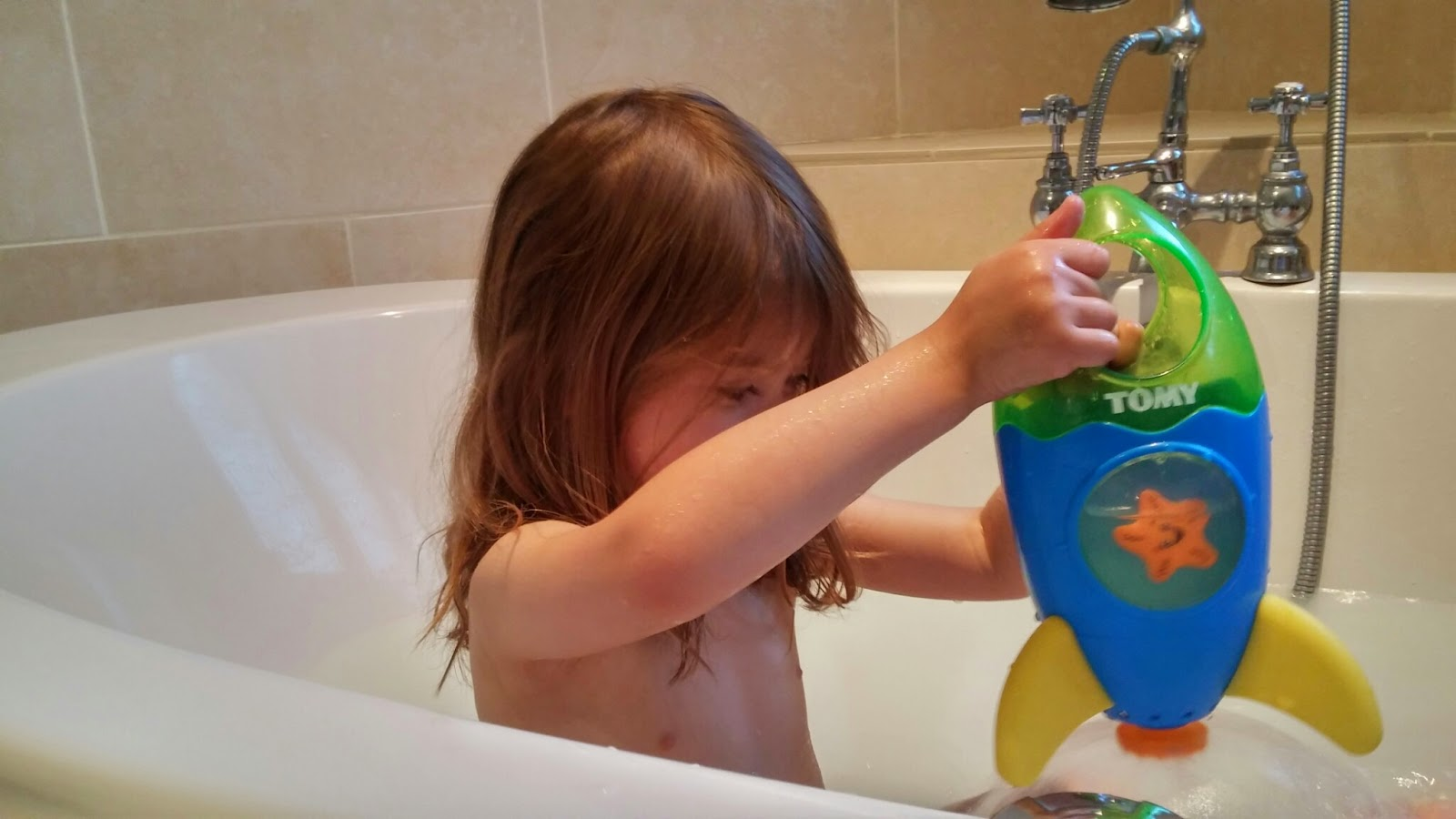 tomy rocket bath toy