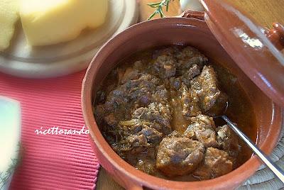 ricetta di Stracotto di cinghiale alla grossetana in cottura in coccio