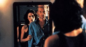 Carry-Anne Moss y Guy Pearce
