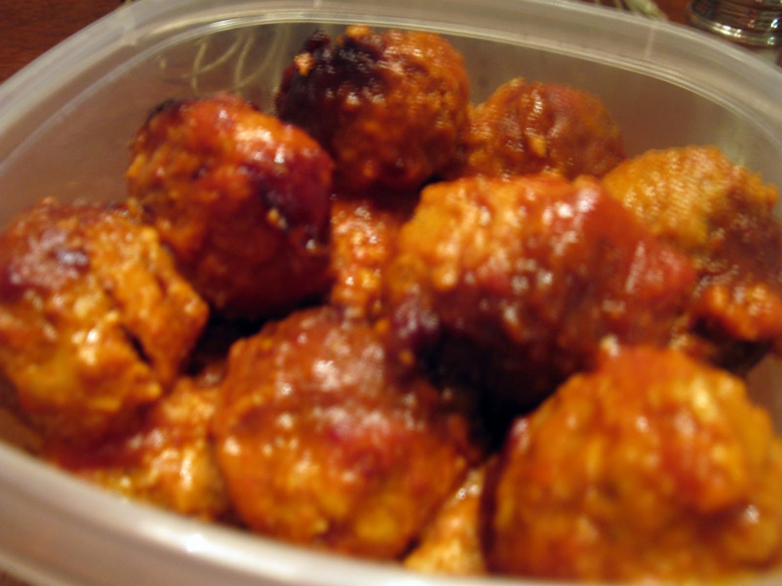 lovely in pink: Slow Cooker Italian Meatballs