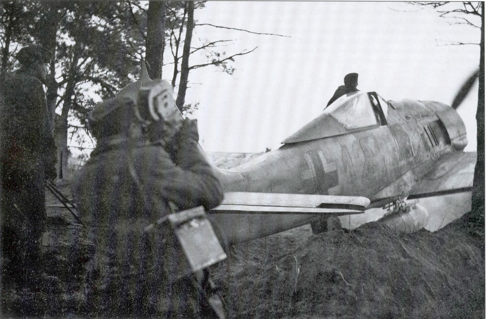 world war ii pictures in details pk cameraman made a footage of fw 190