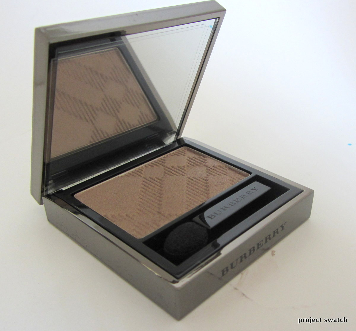 Burberry Pale Barley