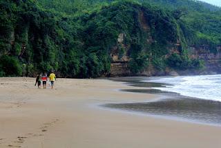 pantai sine tulungagung, wisata jawa timur, indonesia tourism place,