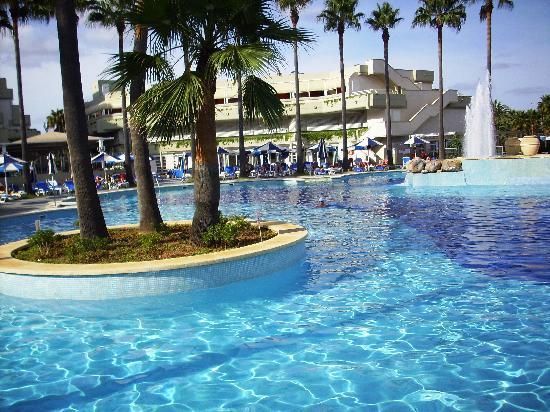 Hotel y spa aldebar n for Hoteles con piscina
