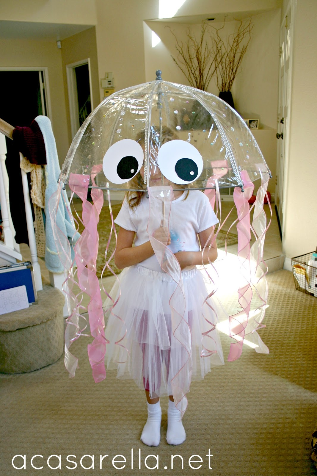 diy jellyfish costume 39 a casarella. Black Bedroom Furniture Sets. Home Design Ideas