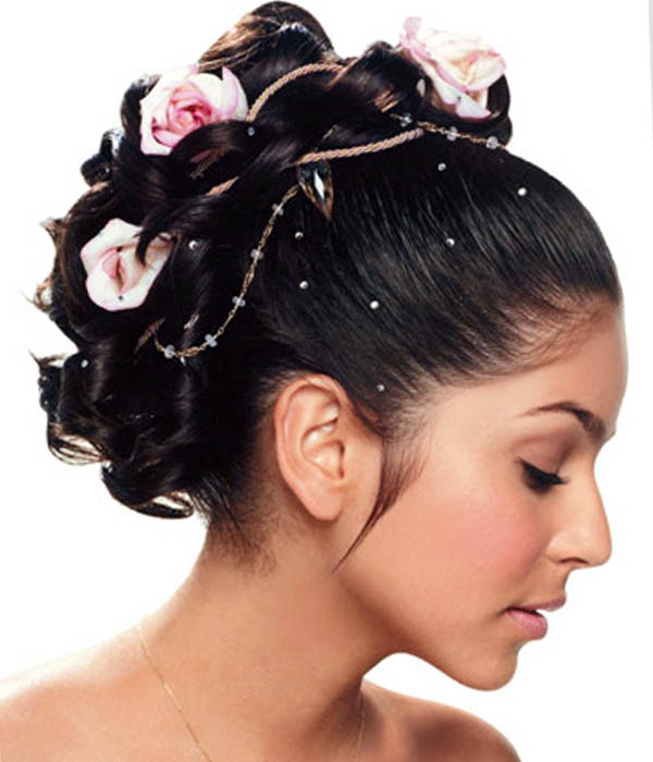 The Northern Bride: Wedding Hairstyles with Flowers