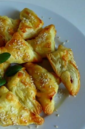 http://minimanlife.blogspot.com/2013/04/ciasto-francuskie-z-suszonymi.html