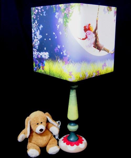 Lampe à pied avec abat-jour fées