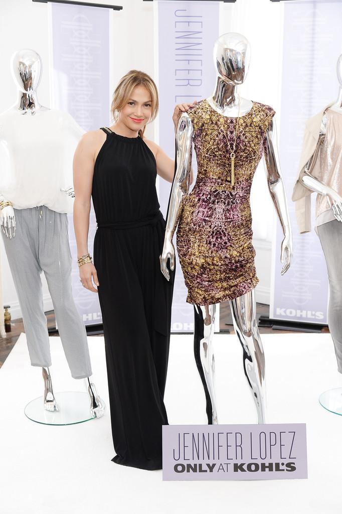 FASHION: JENNIFER LOPE... Jennifer Lopez Clothing