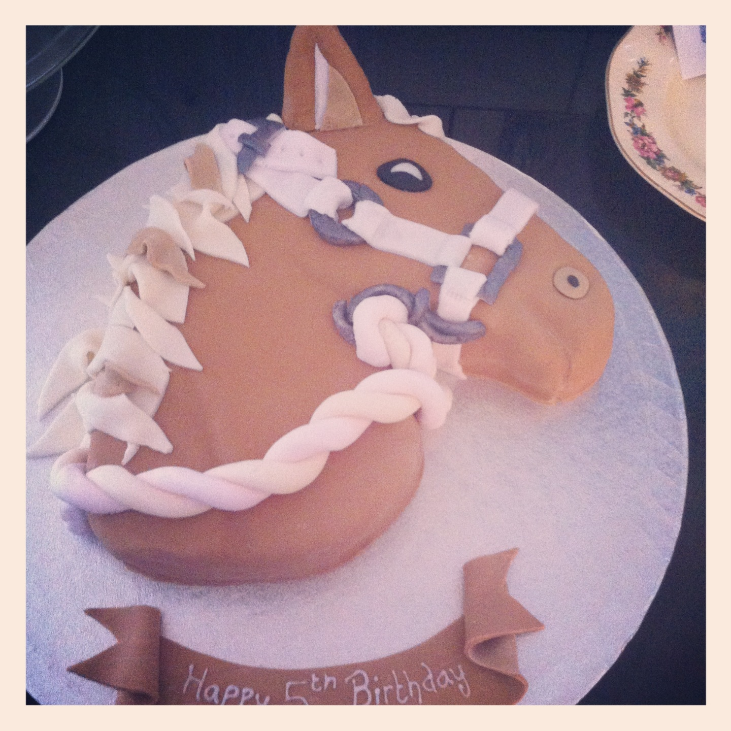 A String of Style How to make the horse cake