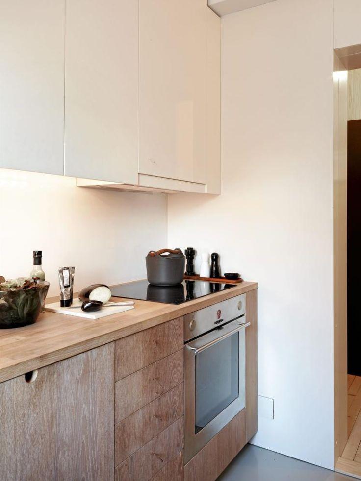 Inspiraci n para conseguir una cocina blanca y de madera - Cocina blanca encimera madera ...