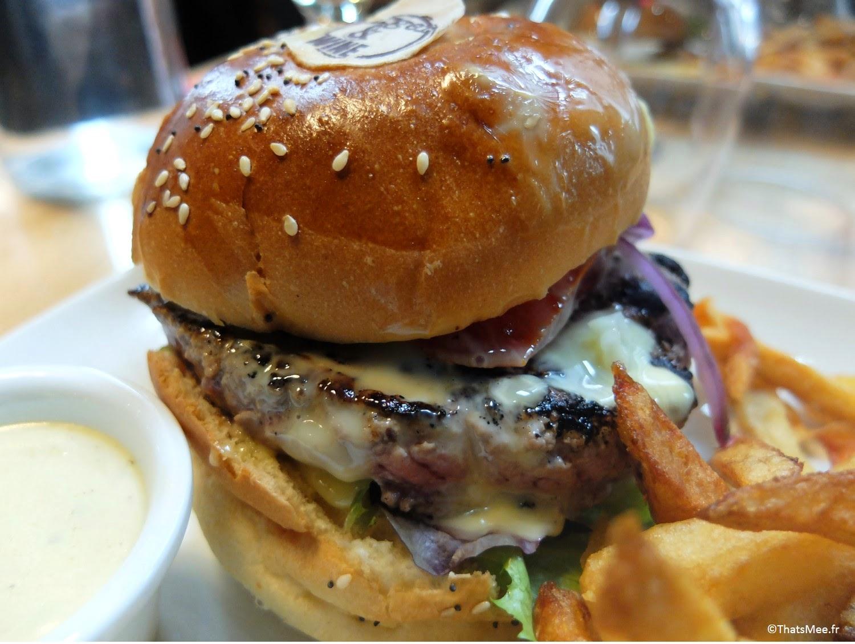 Petit Marcel burger Restaurant Burger and Wine Lyon quartier Confluences délice bonnes adresses resto Lyon  #foodporn #burger