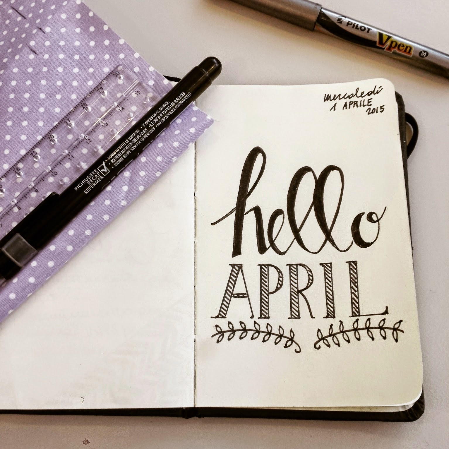 hello april_nastriniebollicine