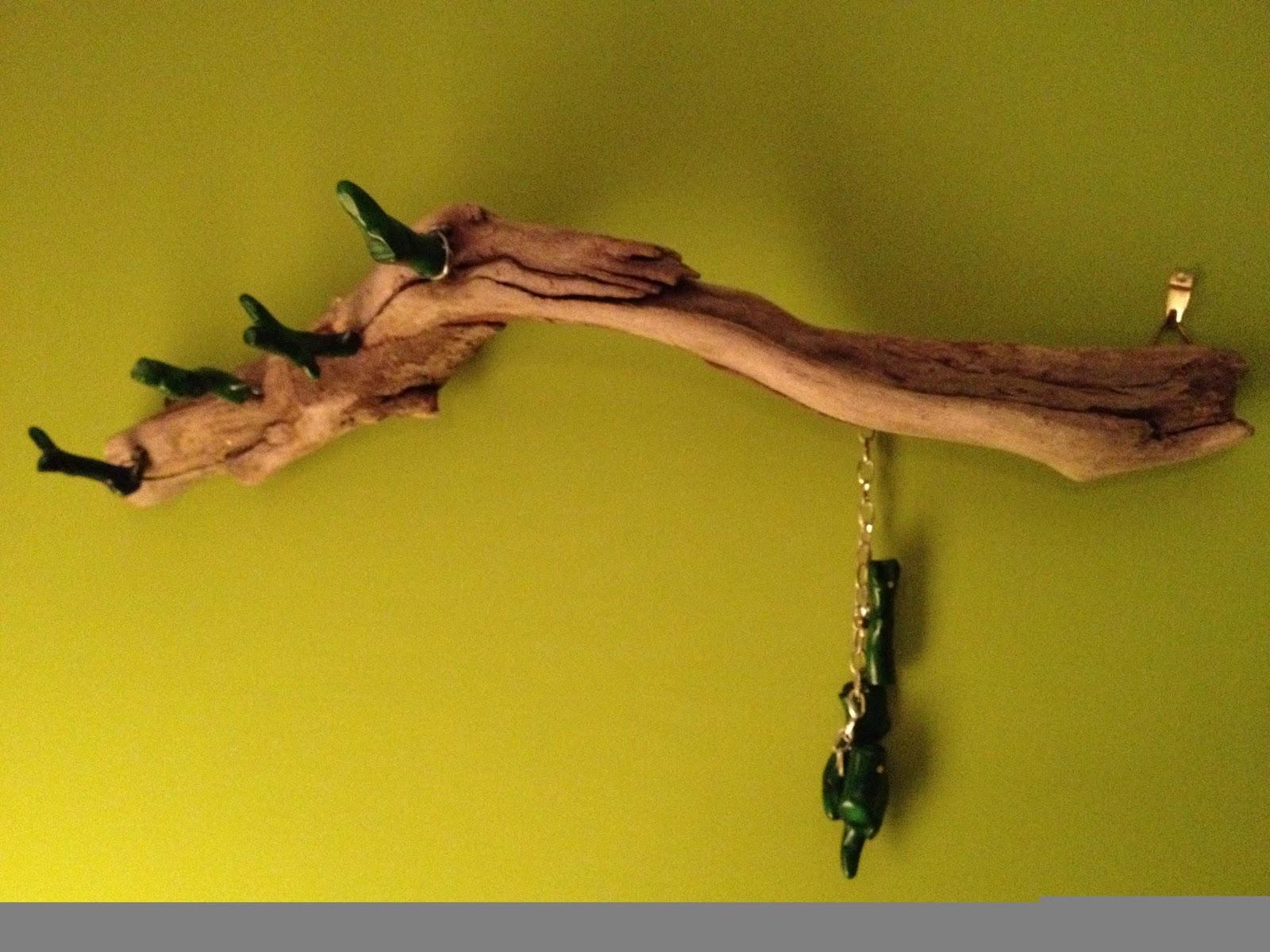 Giosssdecora porta collane con legno di mare e corallo for Legni di mare arredamento