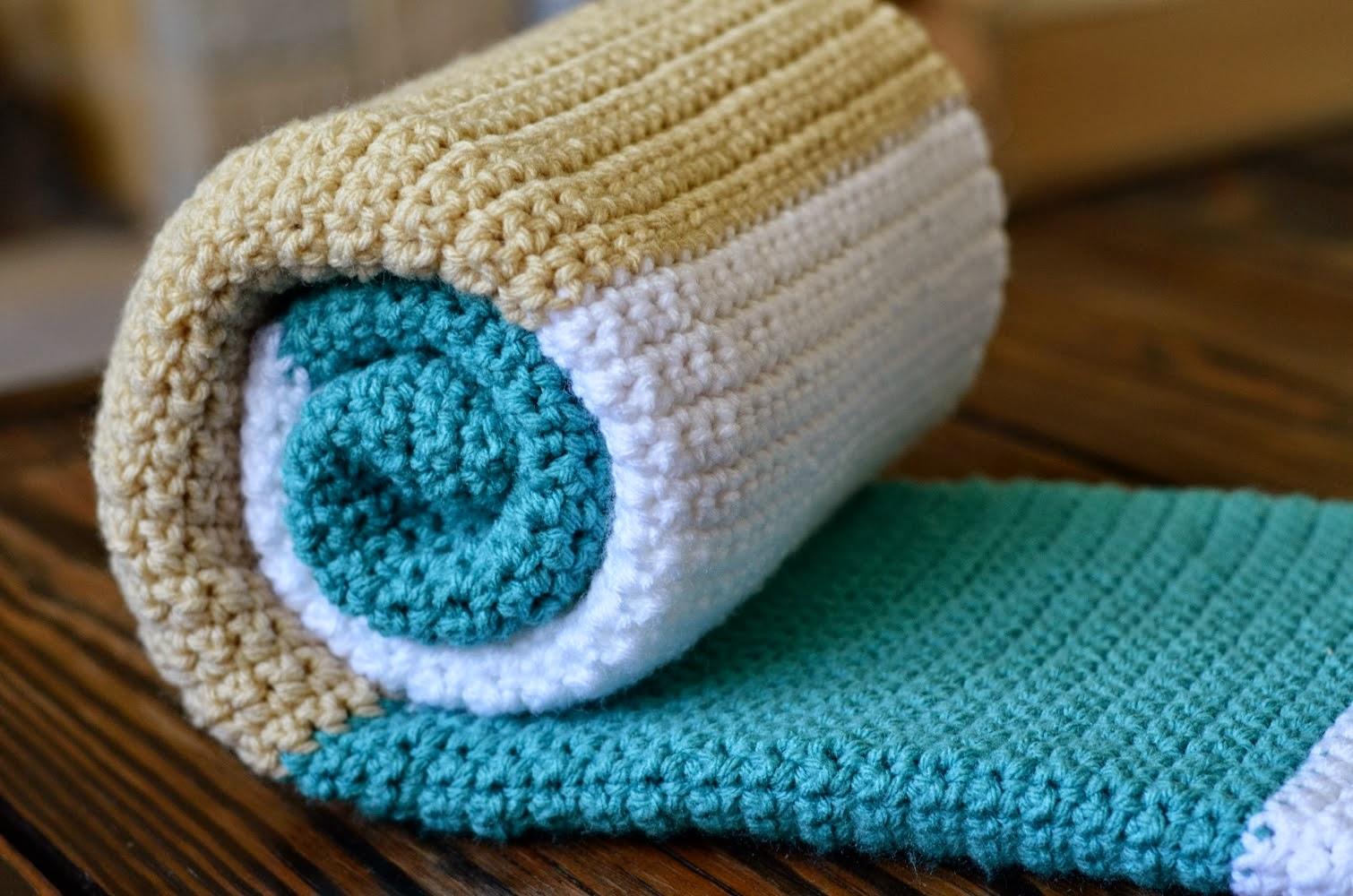 Puerta al sur alfombras con bandas de colores tejidas a - Alfombras hechas a mano con lana ...