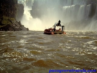 Aventura acuatica en las Cataratas de Iguazu