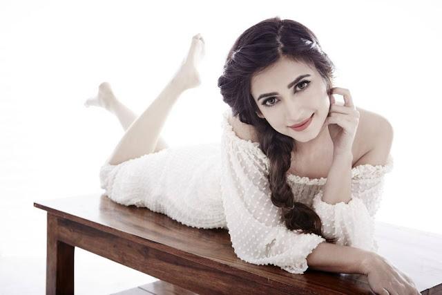 Actress Kriti Kharbanda Looks Irresistibly Sexy In Her Latest Photoshoot Stills
