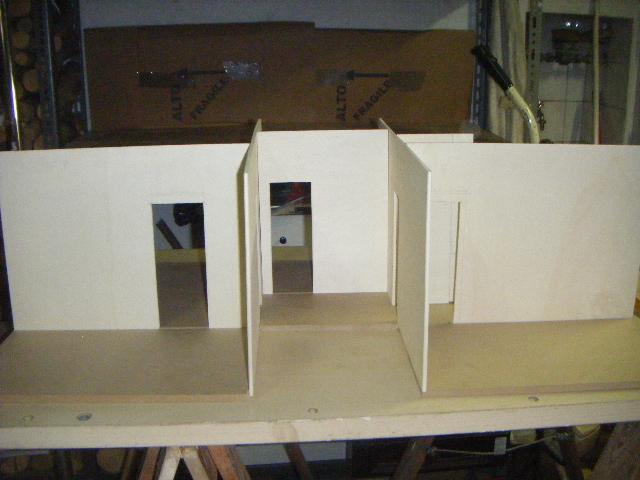 La casa rossa dry fit for Piano e design della casa con tre camere da letto