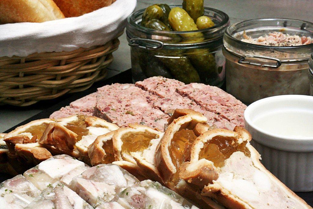 Brasserie CiÇou Le Bouchon Lyonnais Charcuterie et pate