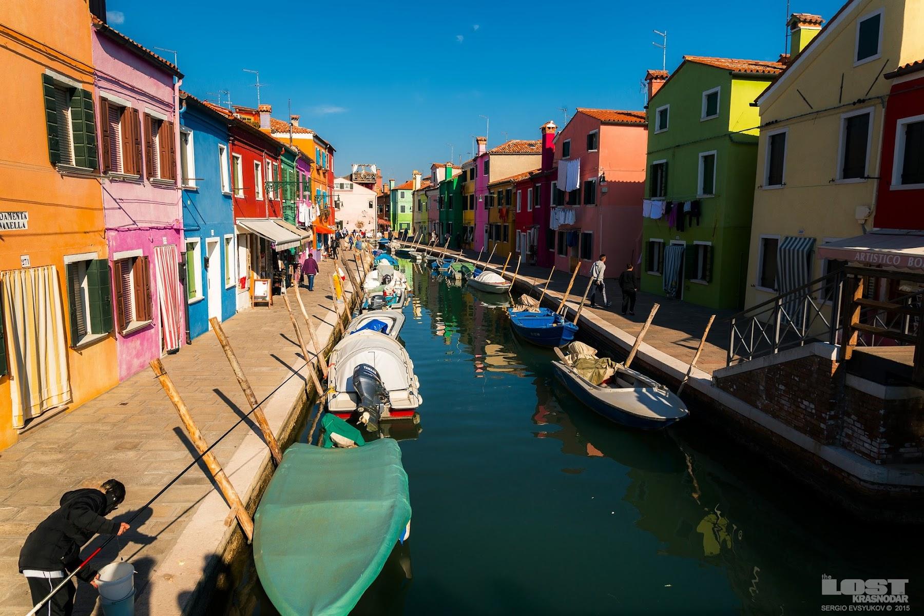 Цветные дома в венеции