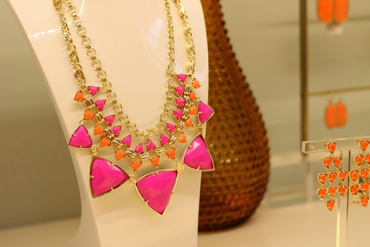 Kendra Scott Emily Statement Necklace Pink Hibiscus - Vale Chandelier Earrings in Coral
