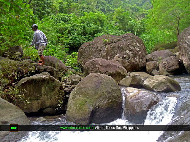 Alilem, Ilocos Sur | Trekking the Jungle, Barefooted and Wet