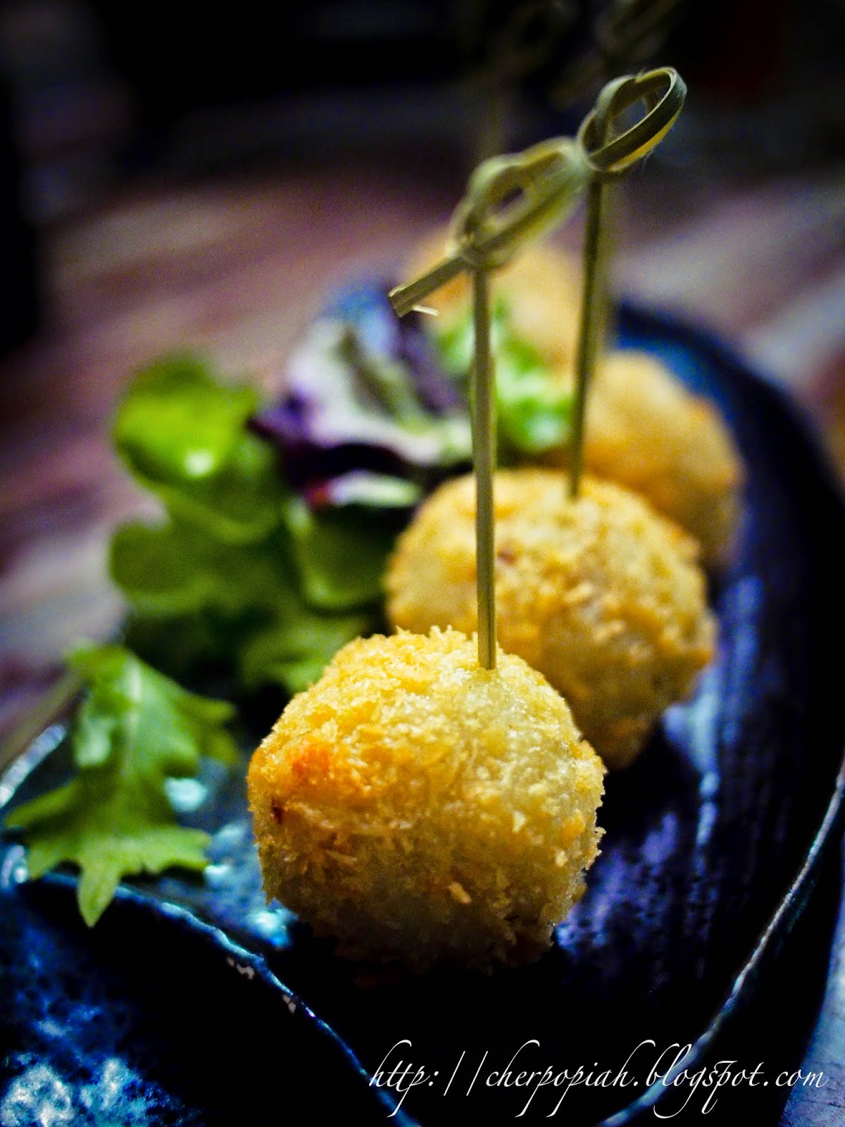 Crusted Chicken Rice balls