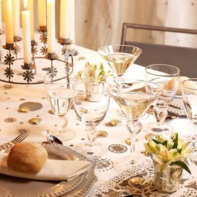 """Décoration de table de mariage """"blanche  et dorée"""""""