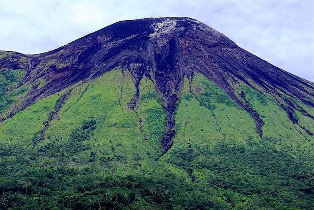 Objek Wisata Gunung Gamalama Ternate Maluku 3