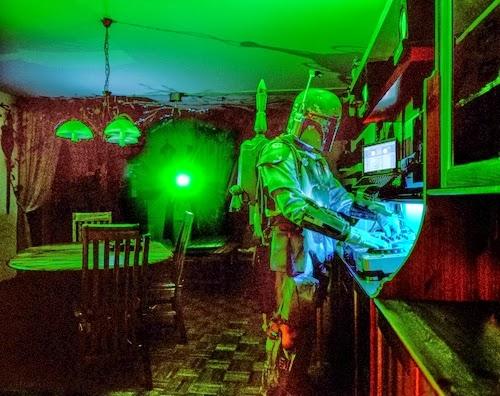 19-Austrian-Freelance-Photographer-Klaus-Pilcher-What-to-do-Between-Halloweens-www-designstack-co