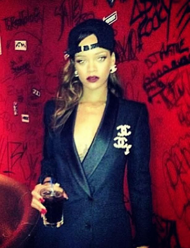 Rihanna Banned From Instagram Over Nude Photos - Urban Islandz