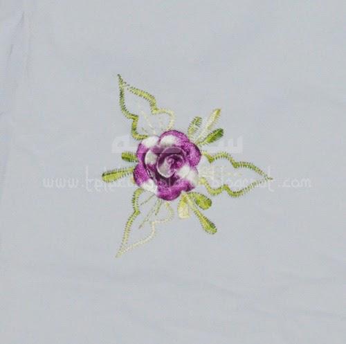 Telekung Vietnam bunga ungu-putih / daun hijau-kuning sulam bunga timbul