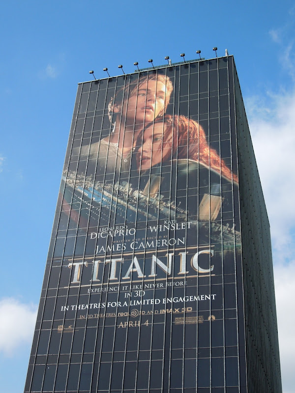 Giant Titanic 3D billboard