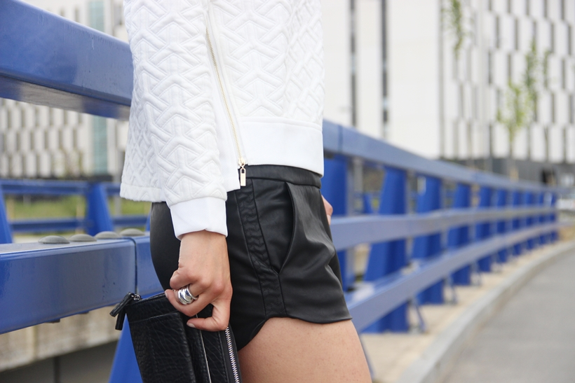 Romalos_blog_quilted_sweatshirt_leather_shorts_skater_shoes