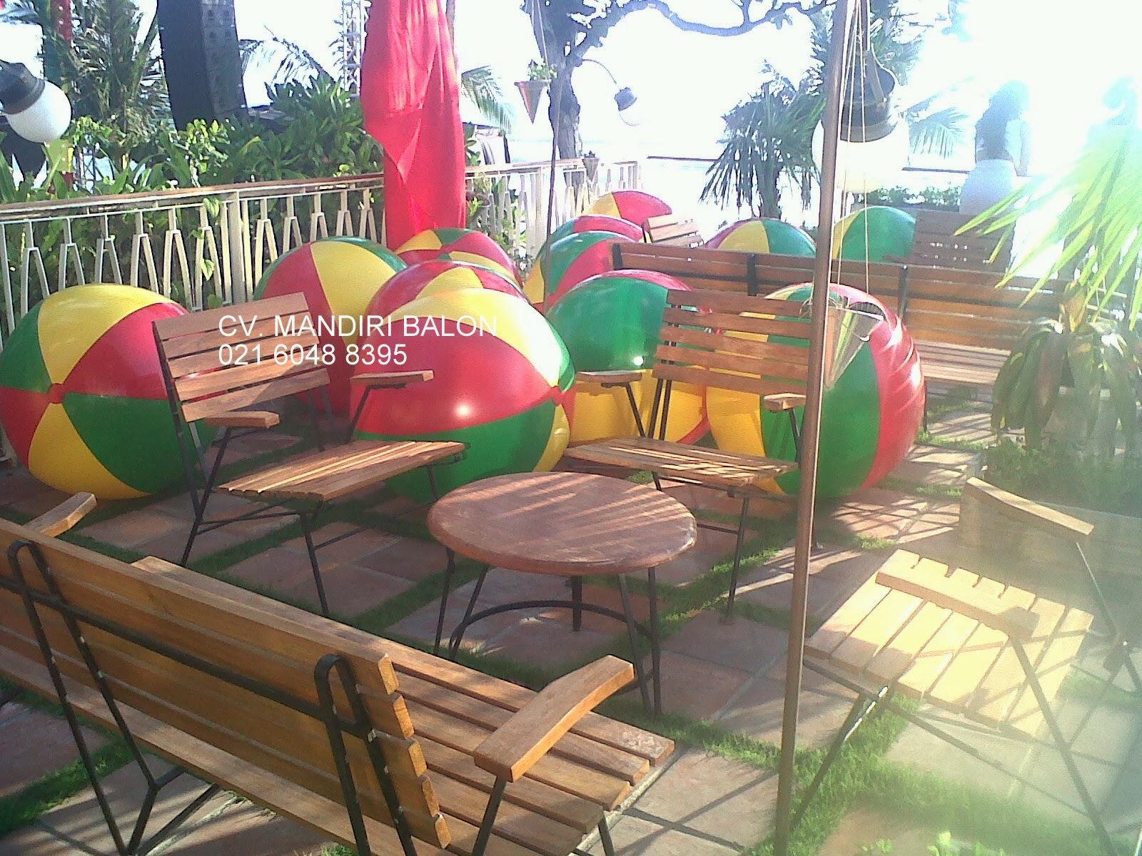 Balon untuk Pesta Pantai
