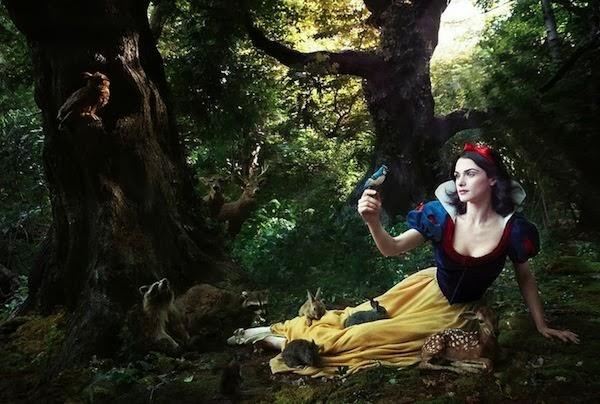 Rachel Weisz interpretando el rol de Blancanieves