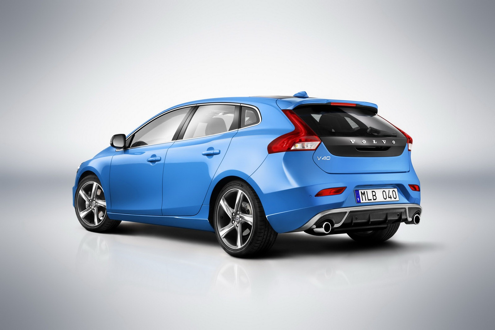 2013 volvo v40 r design resmi olarak duyuruldu turkeycarblog. Black Bedroom Furniture Sets. Home Design Ideas