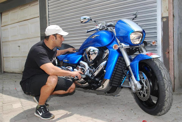 Suzuki gifts Salman Khan a Limited Edition Suzuki Intruder M1800RZ Actor Salman Khan is well known for his passion for motorcycles and also his association with Suzuki Motors India Pvt Ltd as their brand ambassador.