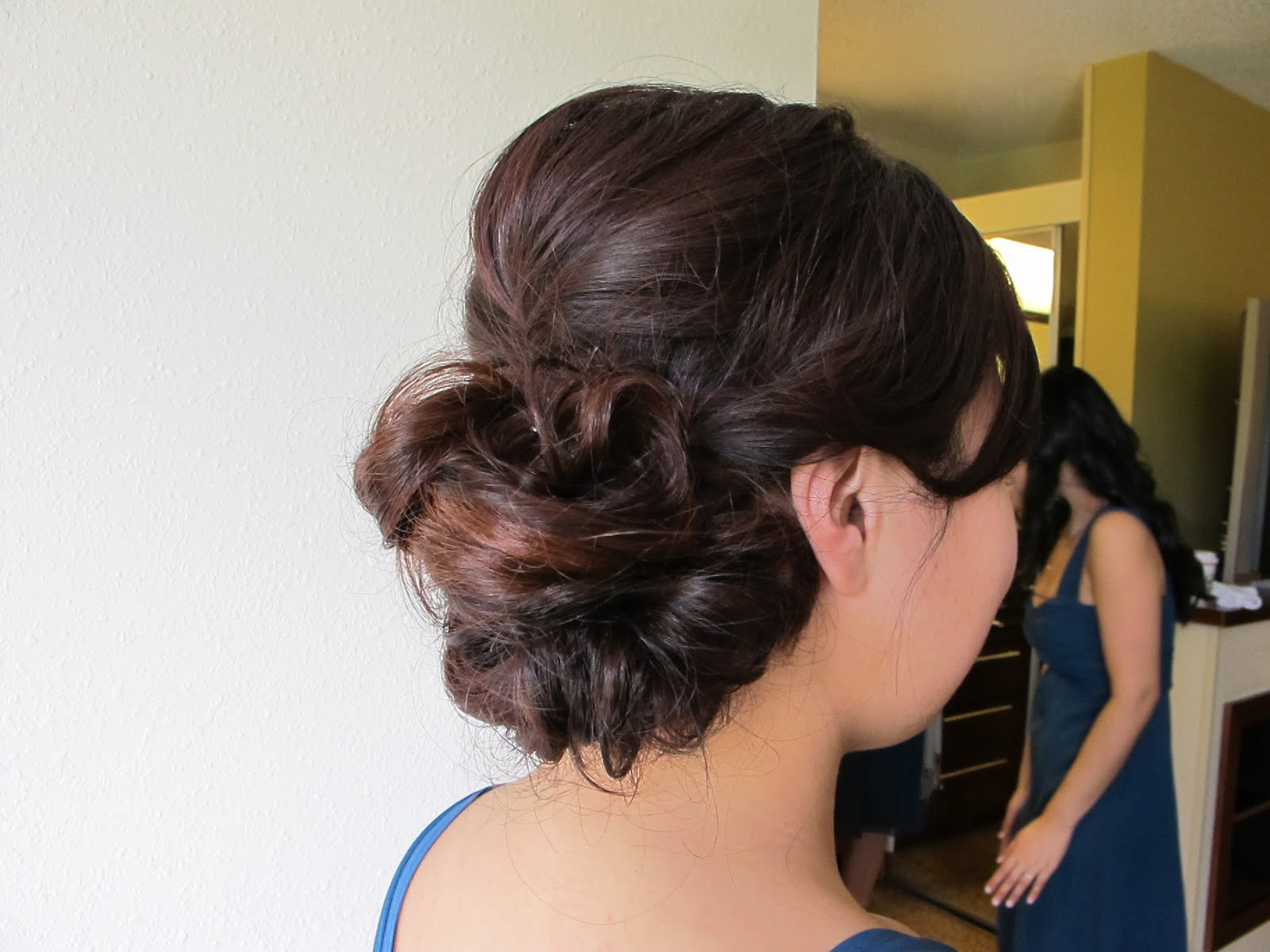 Bridesmaids Hairstyles on Bridal Hair      Bubbles And Beauty