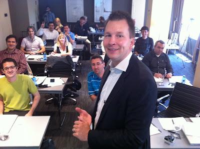 Smart+Social+Media+2012+con+Lasse+Rouhiainen ¿...para que tenemos amigos? ...nuevo libro Smart Social Media de Lasse Rouhiainen