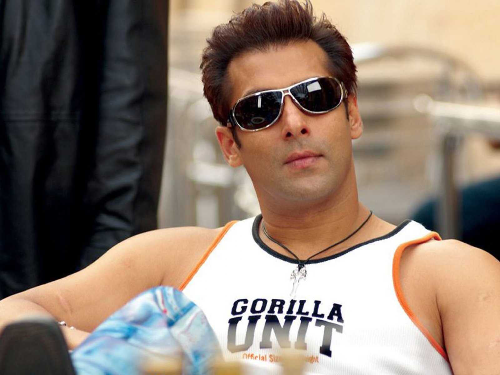 salman khan Salman khan, legal name abdul rashid salim salman khan, is the firstborn of  the celebrated screenwriter of the 1970s salim khan (seeta aur geeta, zanjeer, .