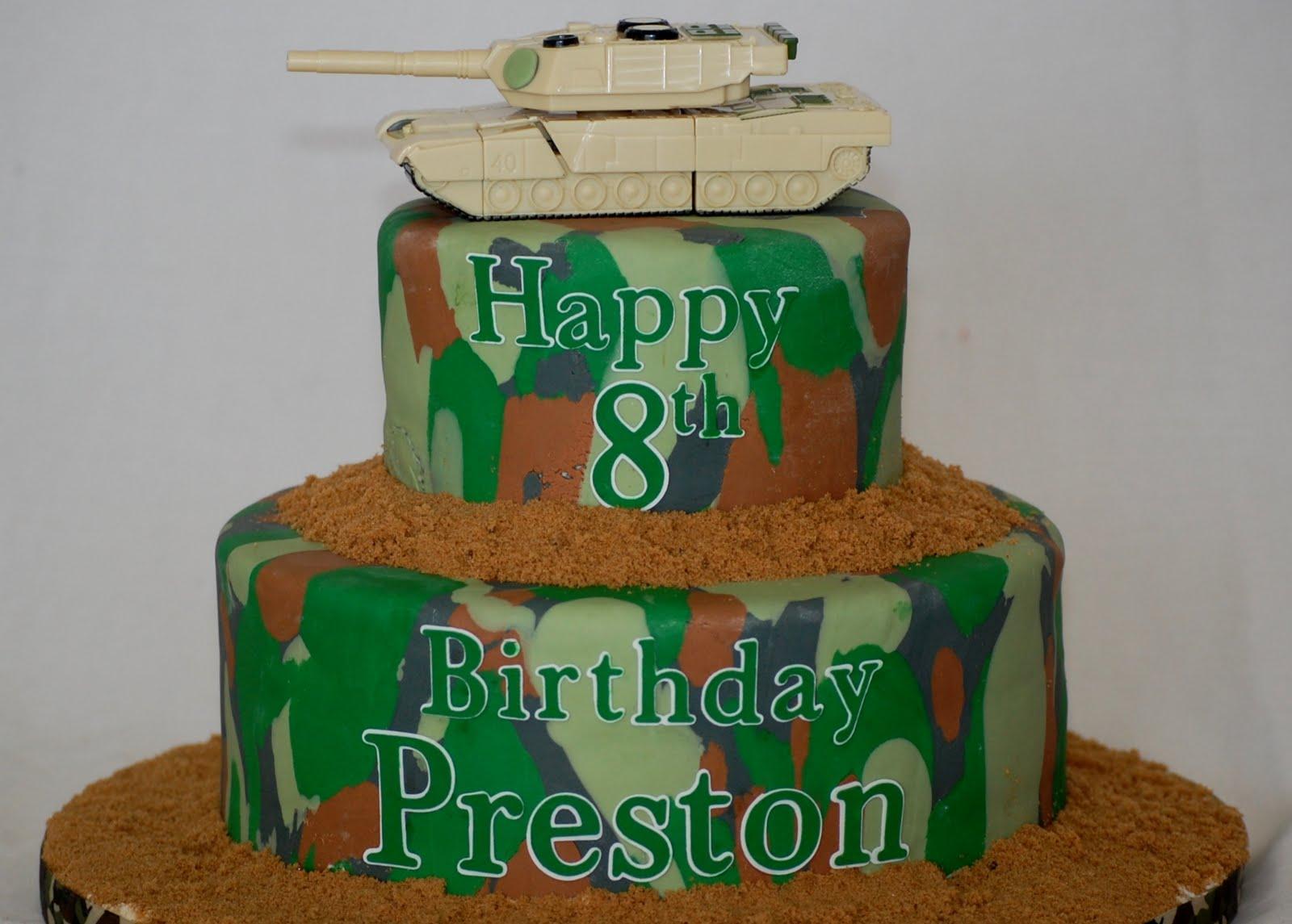 CakeFilley Camo Tank Cake