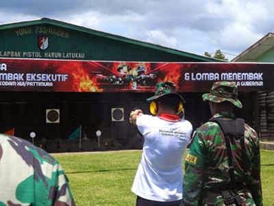 Dalam rangka memperingati Hari Ulang Tahun (HUT) ke 16 Kodam XVI Pattimura menggelar Lomba menembak merebut piala Gubernur yang di laksanakan di Yonif 733 Waiheru, Kamis (23/04).
