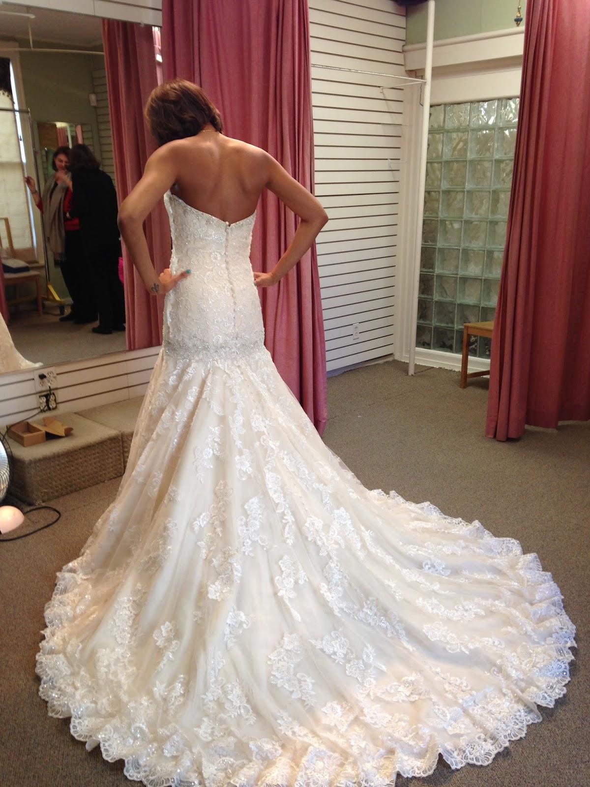 Allure 9018 wedding dress