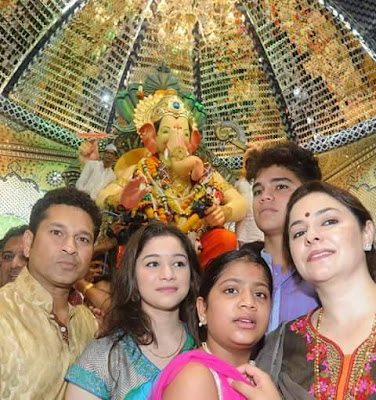 Sachin Tendulkar With Family