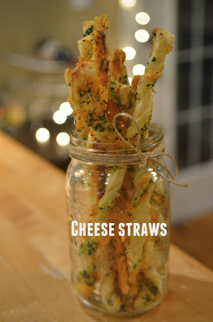 "alt=""easy cheese straws recipe"""